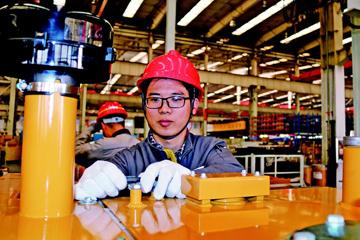 新区工业经济吹响冲刺号角 各企业开足马力忙生产