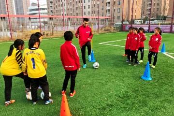"""校园足球""""满天星""""活动在德国足球亚洲基地举办"""