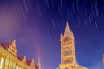 浩瀚星空做背景 美丽的灵山湾畔之冬夜色迷人
