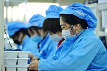 """灵山卫街道:做好企业""""三大员"""" 抓实防疫促生产"""