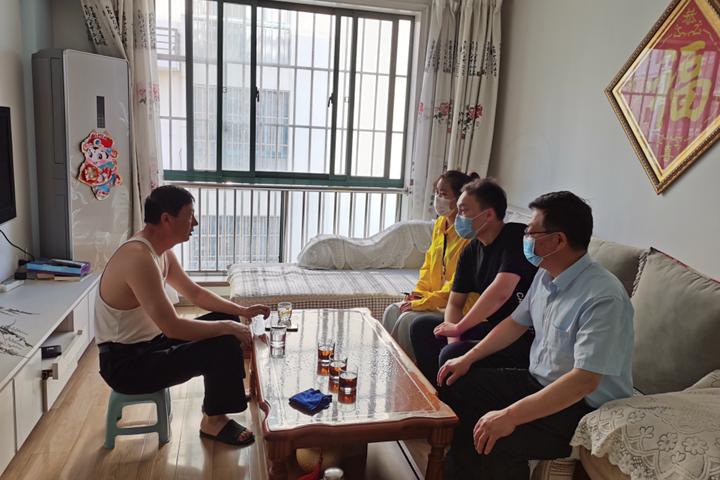 隐珠街道:宣传法律法规 实施亲情帮扶