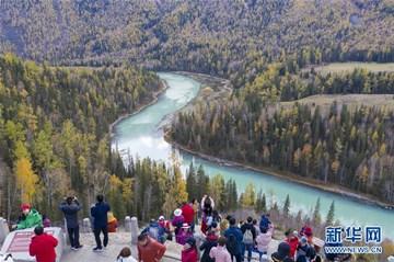 新疆喀纳斯景区进入旅游旺季