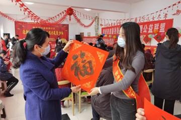 西海岸新区文化馆:新春文艺走基层 丰富社区老年人文化生活