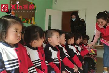 Xin視頻|社區與學校聯動,手工花朵獻禮母親節
