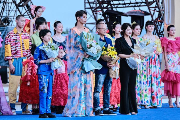 Xin视频 啤酒文化时装秀展现啤酒文化魅力