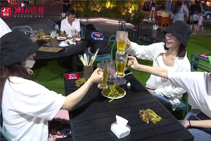 Xin视频 夏夜酒飘香,欢聚西海岸