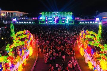 第31届青岛国际啤酒节会期过半!金沙滩啤酒城热情不减精彩继续