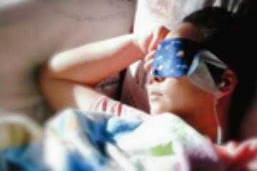 如何缓解眼睛疲劳?热敷并加湿效果好