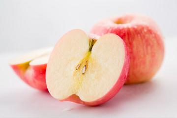 最新研究显示 :吃苹果可控制胆固醇