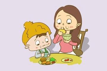小儿喂养过度危害大,当心带来这4大后果!